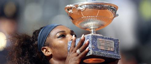Serena Williams zdobywa Rzym. Azarenka zdemolowana
